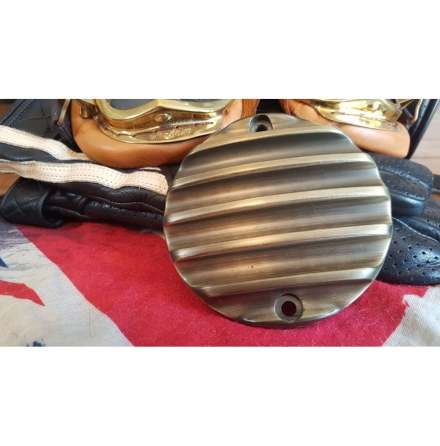 Clutch Badge - Ribbed - Brass Finish